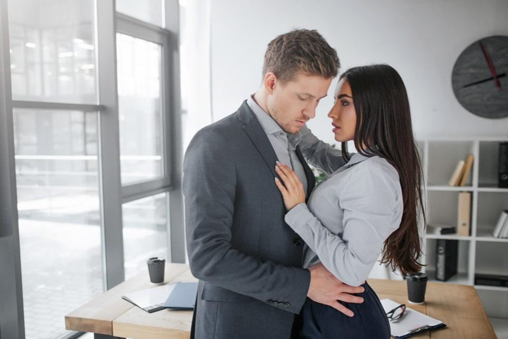 drague et amour au travail 1  L'amour au travail et les relations amoureuses au bureau drague et amour au travail 1